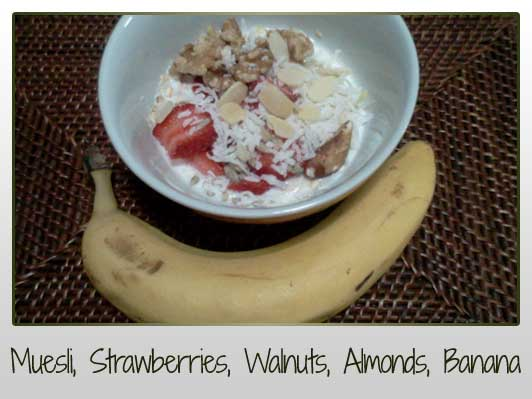 Muesli, Strawberries, Banana