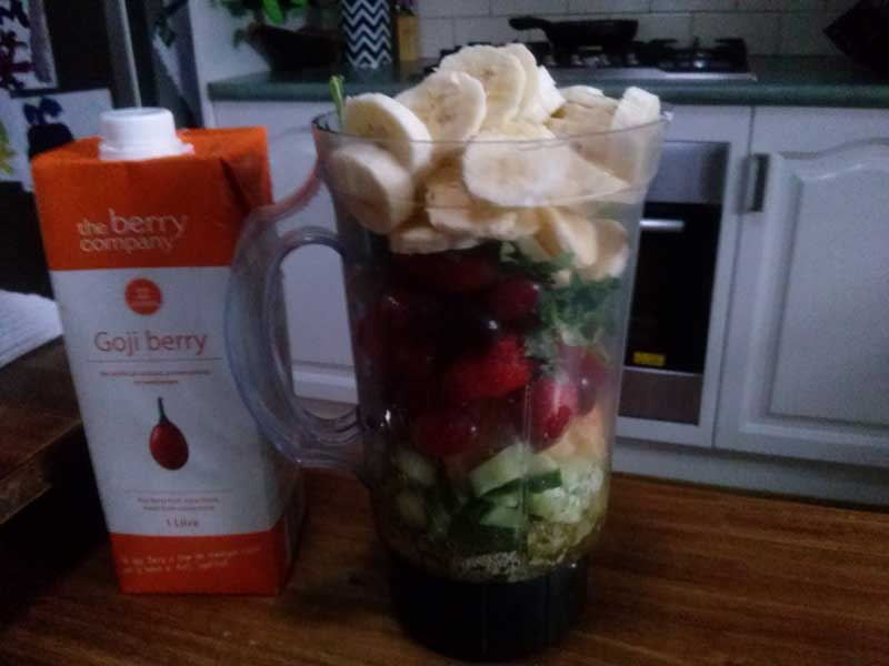 fruit-smoothie-blender
